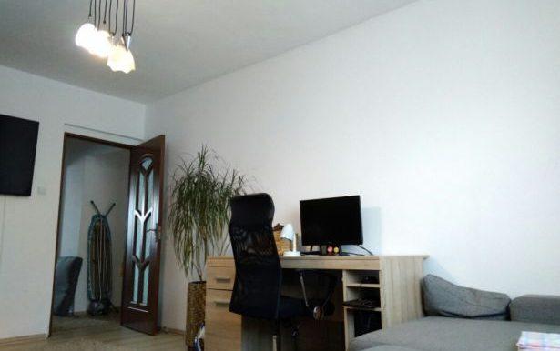 223377625_4_644x461_2-camere-decomandat-vasile-aaron-imobiliare