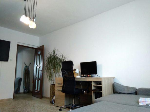 Apartament RENOVAT 2 camere decomandate zona Mall
