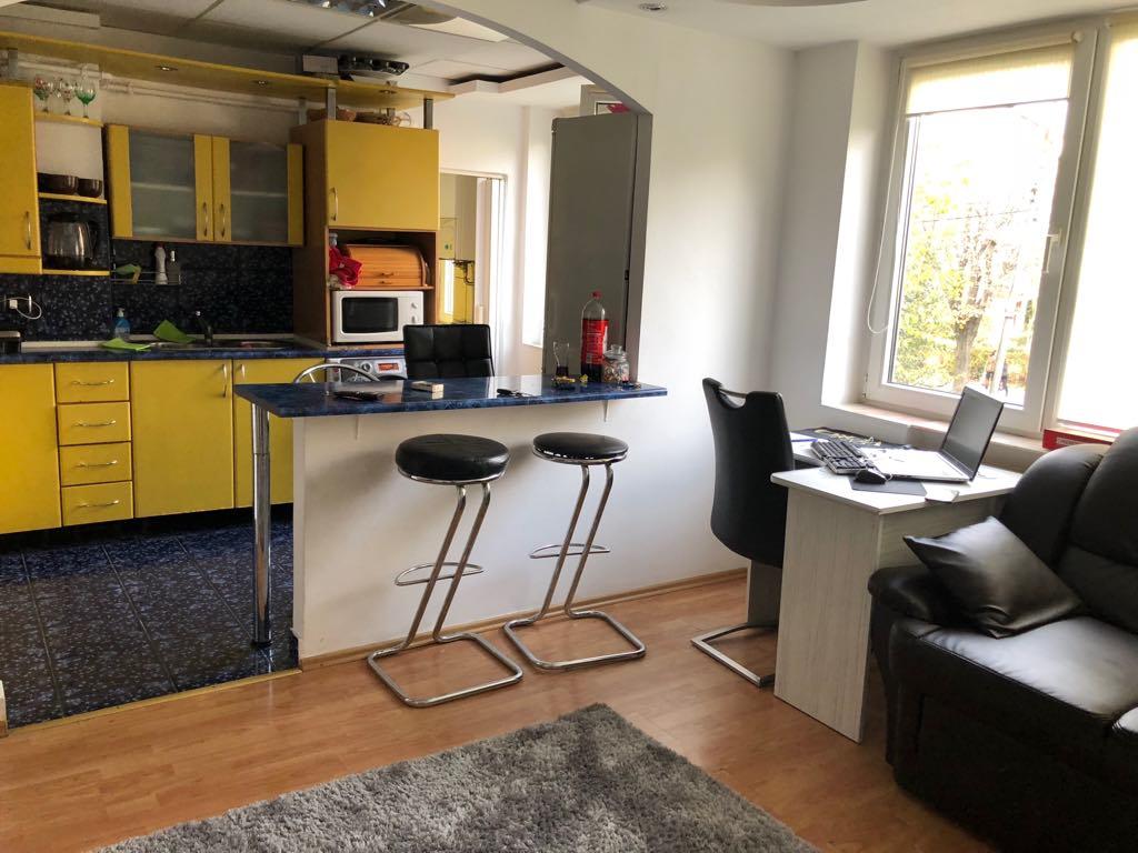 Terezian Et.1 – Apartament 2 camere decomandate