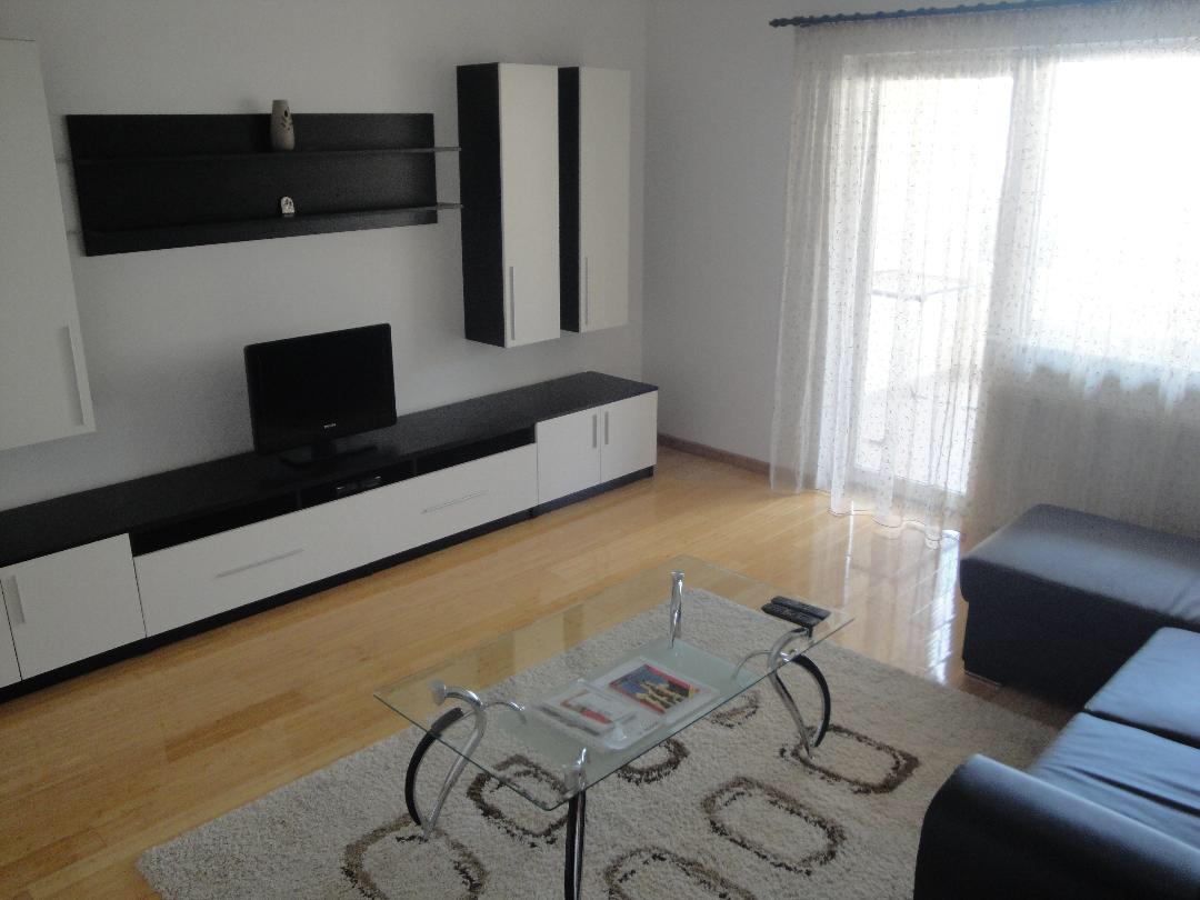 Et.1 Strand/ Apartament 3 camere 2 bai + terasa/ La cheie