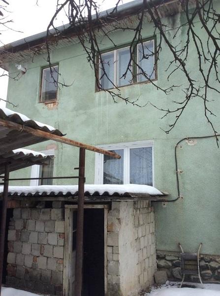 Zona A Et.1 – Apartament 3 camere+ 250 mp teren