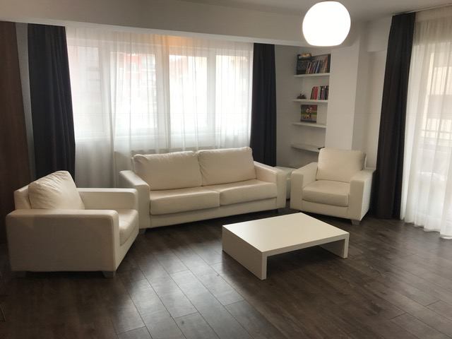 SUPERB! Apartament 2 camere decomandate 68 mp – Et.1 Strand