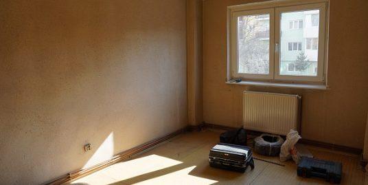 Mihai Viteazu Et.1- Apartament REUSIT 3 camere 2 bai+ balcon