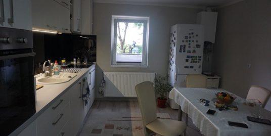 Strand – Apartament SUPERB 3 camere 2 bai + pivnita