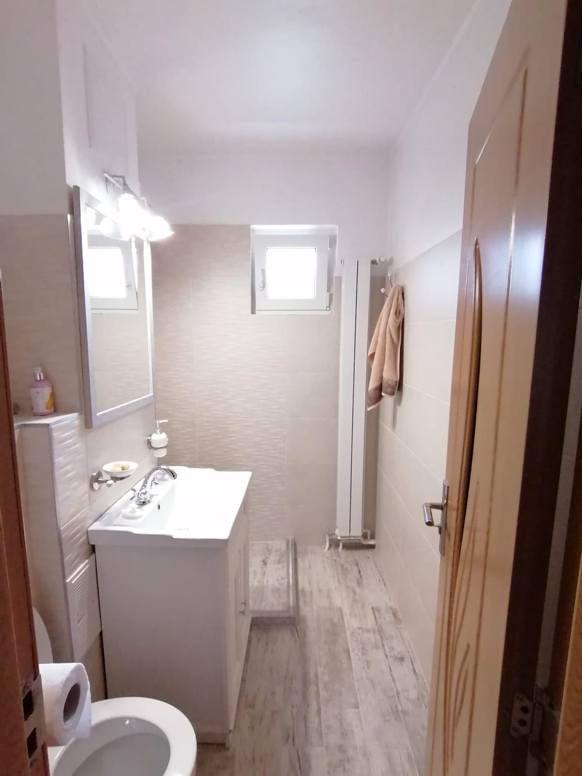 Apartament RENOVAT 2 camere + pivnita Vasile Aaron