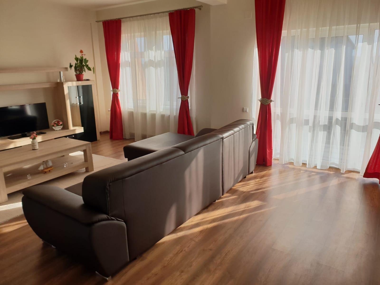 Apartament MODERN 3 camere+ garaj+pivnita/ Turnisor Et.3