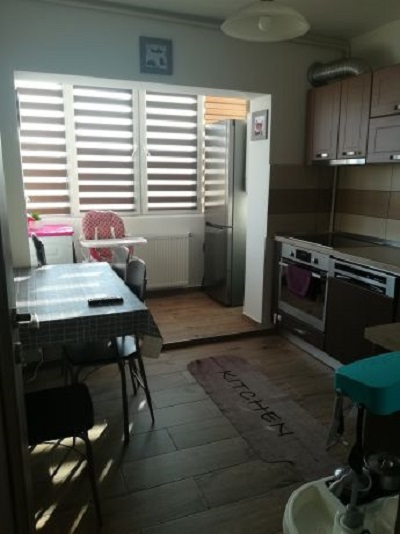 Apartament CENTRAL 2 camere decomandate+ pivnita
