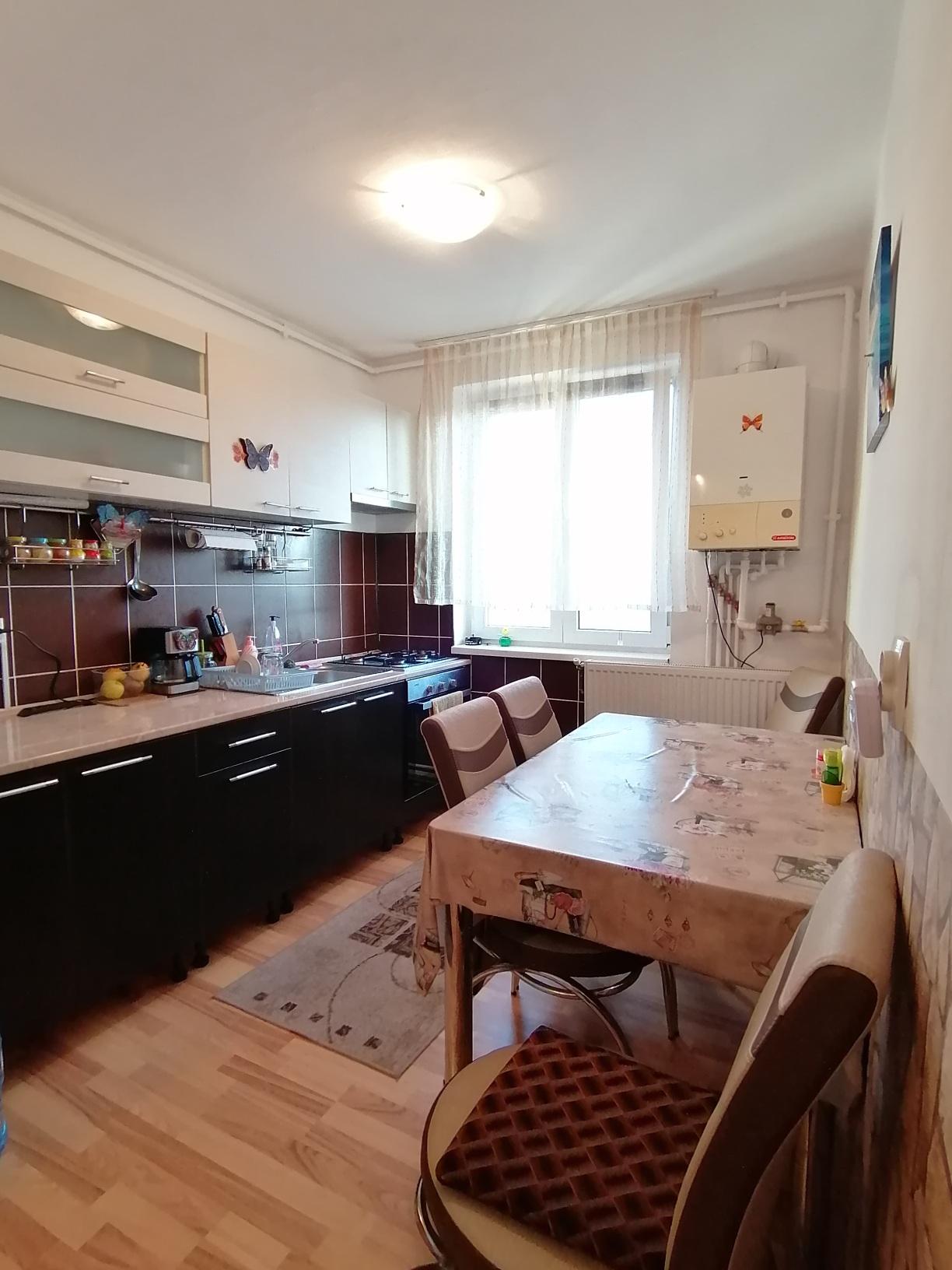 Hipodrom II- Apartament RENOVAT 3 camere decomandate