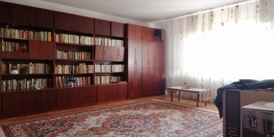 Lazaret Et.2 – Apartament 3 camere decomandate 85 mp utili