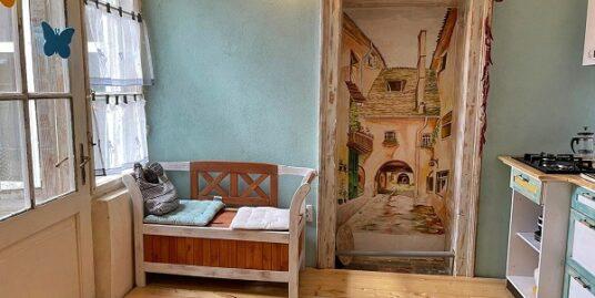 CENTRU Vechi Etaj 1- Garsoniera& Apartament 2 camere