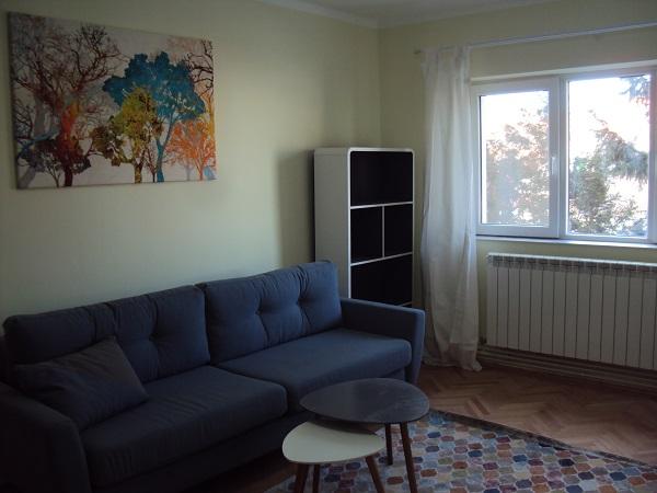 CENTRAL/ Uzinei Etaj 1- Ap.SUPERB 3 camere 2 bai+ balcon